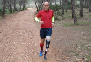 Lurbel signs Juanjo López up, the first disabled athlete that competes in trail running in Europe