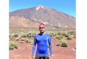 Thermoregulatory long sleeve t-shirt Cumbre tested in Teide (Canary Island)by ultra-runner Dario Dorta